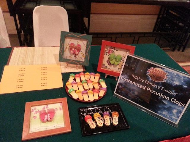 Customized Clogs Keychains Table Set Up & Fringe Activities | Arts u0026 Carts